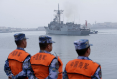Trung Quốc: Cường quốc tấn công luật biển